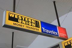 Geldumtauschübertragung Western Unions Travelex Lizenzfreie Stockfotografie