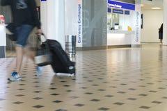 Geldumtausch-Platz am Flughafen Stockbilder