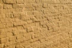 Gele bakstenen muur in perspectief Royalty-vrije Stock Fotografie