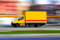Gele bestelwagen Stock Afbeeldingen