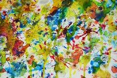 Gele blauwe rode oranje groene levendige tinten, de waterverf creatieve achtergrond van de wasverf Stock Afbeeldingen