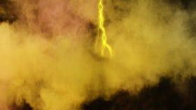 Gele bliksem en kleurrijk poeder stock video