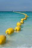 Gele boei bij het Pattaya-strand royalty-vrije stock afbeelding