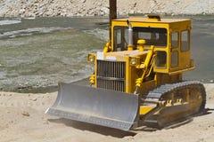 Gele bulldozer royalty-vrije stock afbeelding