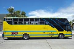 Gele bus Royalty-vrije Stock Foto's