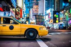 Gele cabines in Manhattan stock afbeeldingen