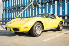 Gele Chevrolet-Korvetpijlstaartrog Stock Afbeeldingen