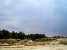 Gele de steen groene heuvel van het landschapslogboek Stock Foto's