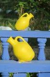Gele decoratieve potten Royalty-vrije Stock Afbeeldingen