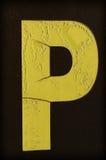 Gele die brief P met vorst wordt behandeld Stock Afbeelding