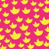 Gele eenvoudige vogels op de roze achtergrond Royalty-vrije Stock Afbeelding