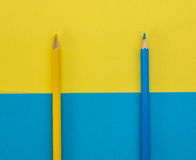 Gele en blauwe potloden Royalty-vrije Stock Afbeeldingen
