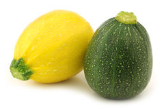 Gele en groene courgette (pepo Cucurbita) Stock Afbeeldingen