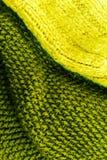 Gele en groene Gebreide de textuurachtergrond van de wolstof dicht omhoog Stock Afbeelding