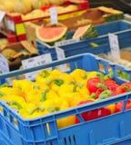 Gele en rode paprika's, paprika Royalty-vrije Stock Foto's