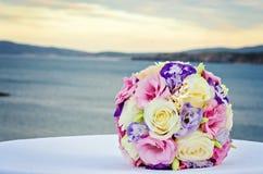 Gele en Roze Rozen Het boeket van het huwelijk royalty-vrije stock foto