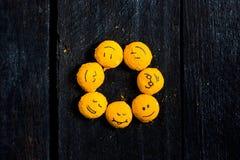 Gele glimlach zoals een zon Royalty-vrije Stock Foto's