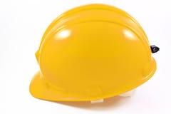 Gele helm op wit geïsoleerdk Royalty-vrije Stock Foto's