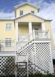 Gele het huis van het strand Royalty-vrije Stock Foto