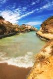 Gele het strandrotsen van kanaald'amour in Sidari, Korfu stock foto