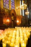 Gele kaarsen in de kapel van Notre Dame du Pilier Royalty-vrije Stock Fotografie