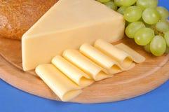 Gele kaas stock afbeeldingen