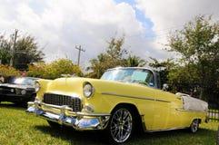 Gele Klassieke auto Stock Foto