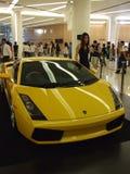 Gele Lamborghini op vertoning in Bangkok. Royalty-vrije Stock Afbeeldingen