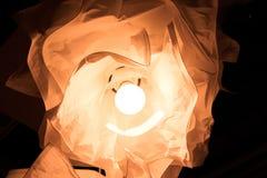 Gele lamp met een bloemvorm Royalty-vrije Stock Fotografie