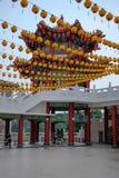 Gele lantaarns in de tempel van Thean Hou Stock Afbeelding