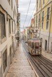 Gele Lissabon tram Stock Foto