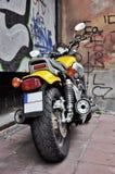 Gele motorfiets stock foto