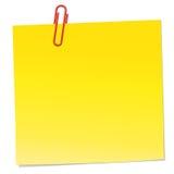 Gele nota met rode paperclip Royalty-vrije Stock Fotografie