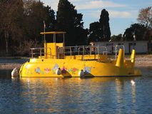 Gele onderzeeër royalty-vrije stock afbeeldingen