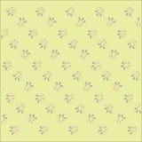 Gele pastelkleur, beige, achtergrond met een licht bloemenpatroon, purper roze, Stock Afbeeldingen