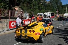 Gele raceauto Royalty-vrije Stock Foto's