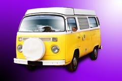 Gele retro bestelwagen Stock Afbeeldingen