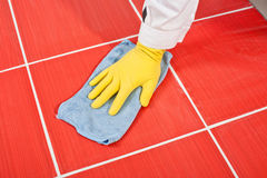 Gele schone handschoenen en handdoek Royalty-vrije Stock Foto's