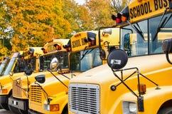Gele schoolbussen Royalty-vrije Stock Afbeeldingen