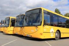 Gele Stadsbussen Stock Foto's