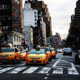 Gele taxis royalty-vrije stock fotografie