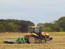 Gele tractor Royalty-vrije Stock Afbeeldingen