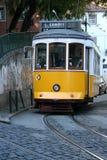 Gele tram stock afbeeldingen