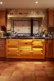 Gele waaieroven in een mooie keuken. Royalty-vrije Stock Foto's