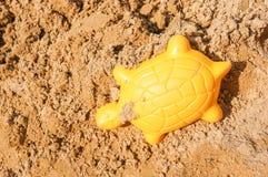 Gele zandvorm Stock Foto's