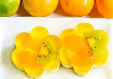 Gelee backt mit Früchten zusammen Lizenzfreie Stockfotografie