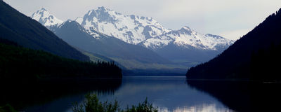 Gelegentliche Berge lizenzfreies stockfoto