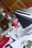 Gelegte Hochzeitstafel an einer Aufnahme Lizenzfreie Stockfotografie