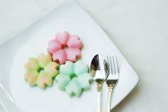 Geleia do coco da sobremesa da flor imagens de stock royalty free