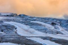Geleira du Visita no por do sol Alpes franceses foto de stock